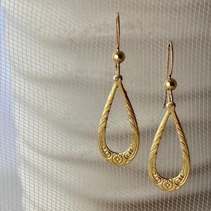 New - Gold Filled Open Teardrop With Spiral Design